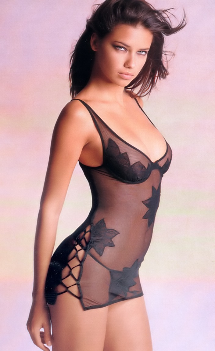 Hottest Model Secret Victoria Adriana Lima